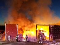 Barn burns near Tumalo Cloverdale volunteers arrive with tender