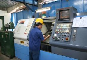 Choosing a CNC Machinist