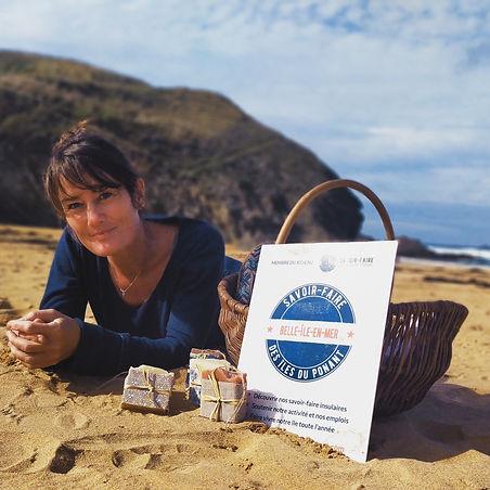 Savons artisanaux sur la plage savonnier