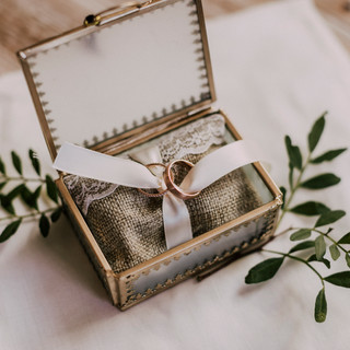 Les bagues des mariés & la déco