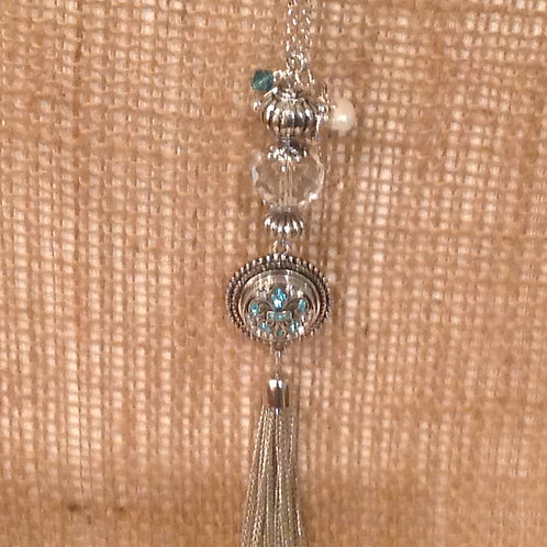 Snap necklace with crystal beads and tassel