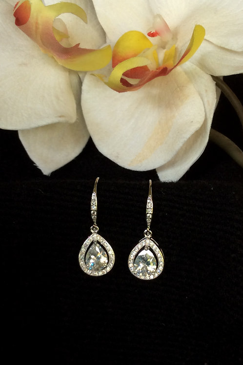 Bridal partydainty silver plated tear drop crystal earrings