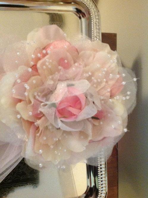 Bridal sash clip on