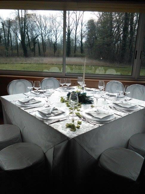 foto tavolo quadrato tov  bianca raso 6.