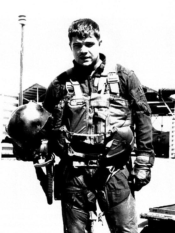 Curt Bennett airman vietnam jpeg.jpg