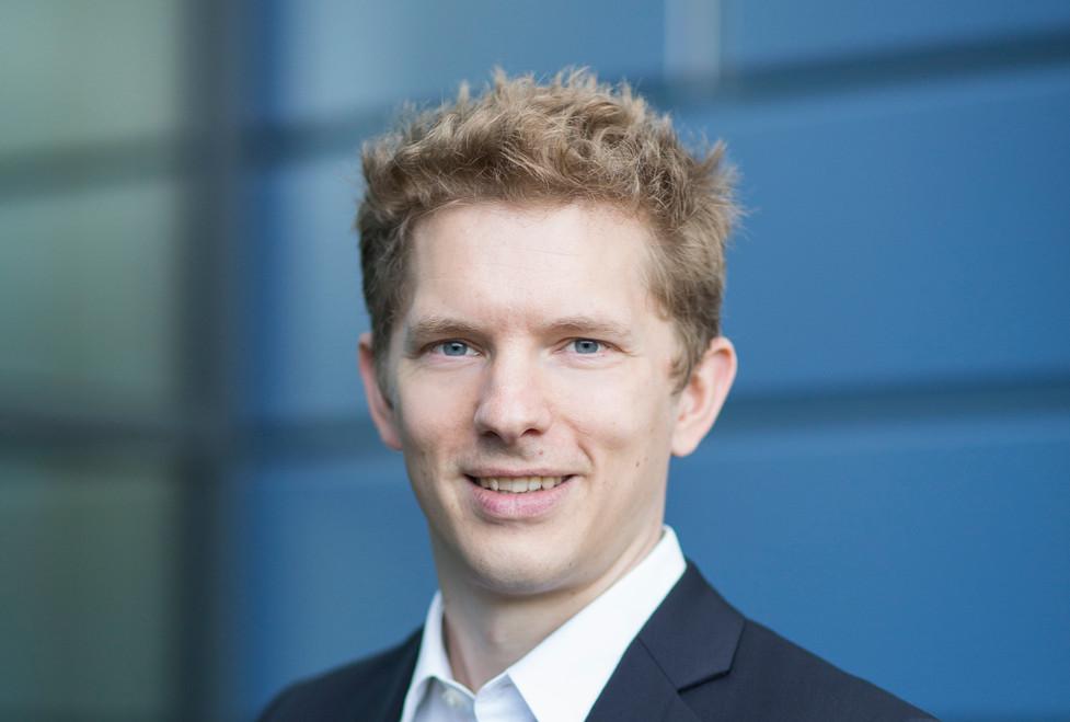Dr. Georg Schaumann