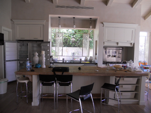 3+-+kitchen.JPG