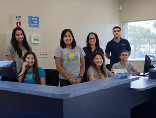 Un día en Ocaquatics: miembros del equipo de la recepción y servicio