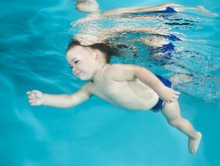 6 beneficios de empezar los cursos de natación a edad temprana