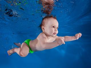 Por qué los niños menores de tres años deben usar pañales de natación reutilizables