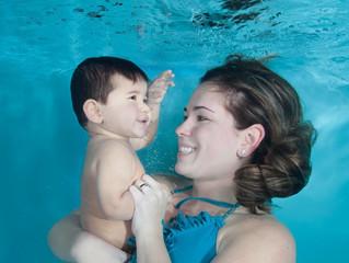 9 maneras de ayudar a los niños a superar su miedo al agua