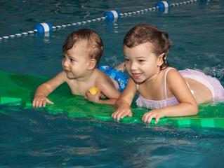 5 maneras fáciles de preparar a su hijo para las clases de natación