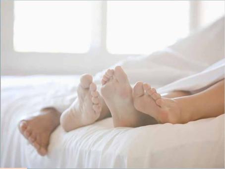 Wie sich der ängstliche Bindungsstil auf deine Beziehung und Sexualität auswirken kann.