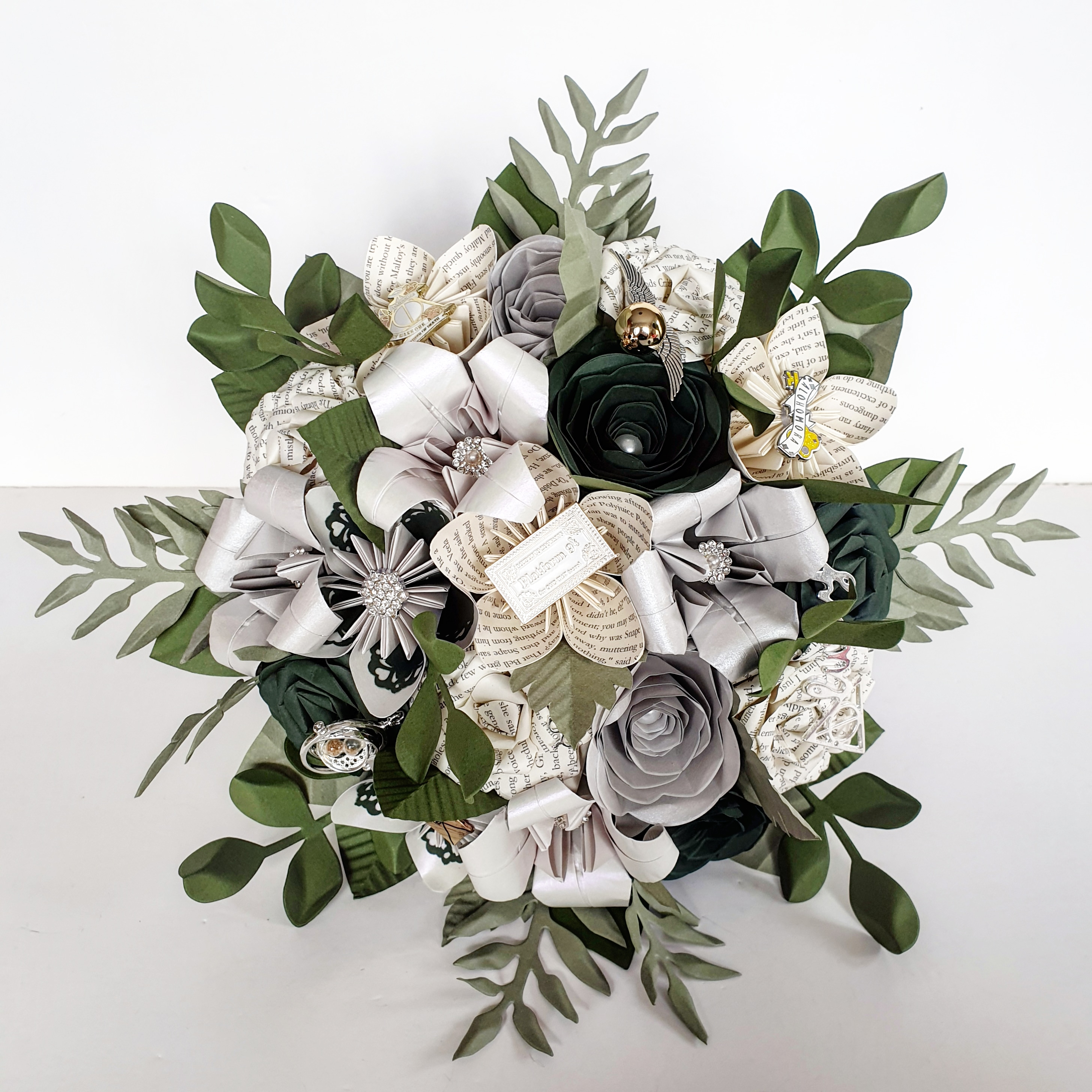 Harry Potter slytherine wedding theme bridal flowers bouquet ideas