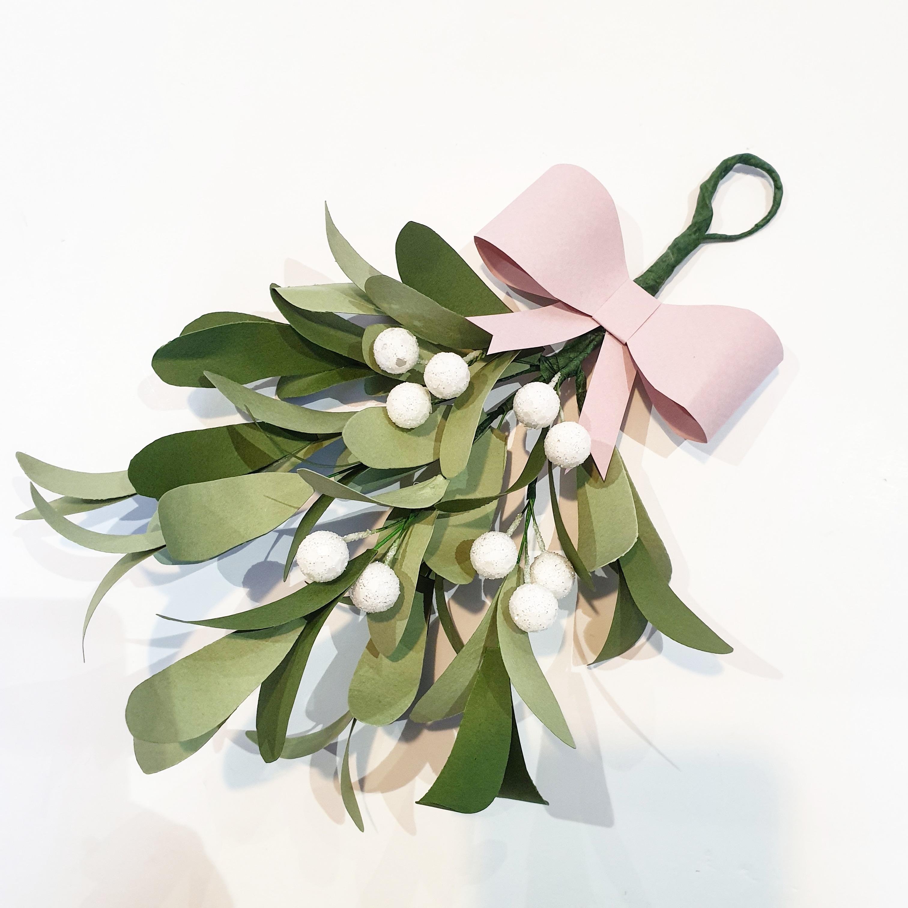 Paper Mistletoe Mistlefaux
