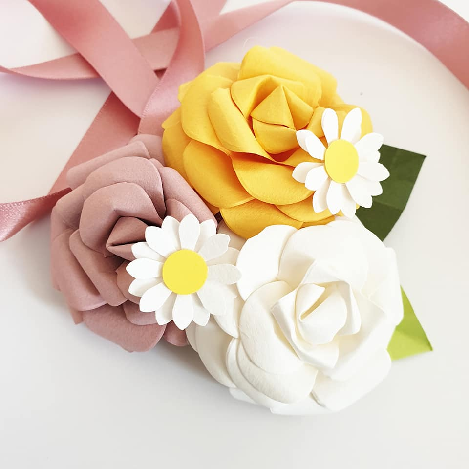 Corsage paper flower