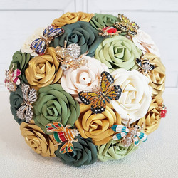 Bug brooch paper rose bouquet