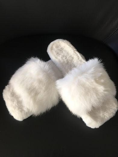 LUXE LOVE Fluffy Slippers in White.JPG