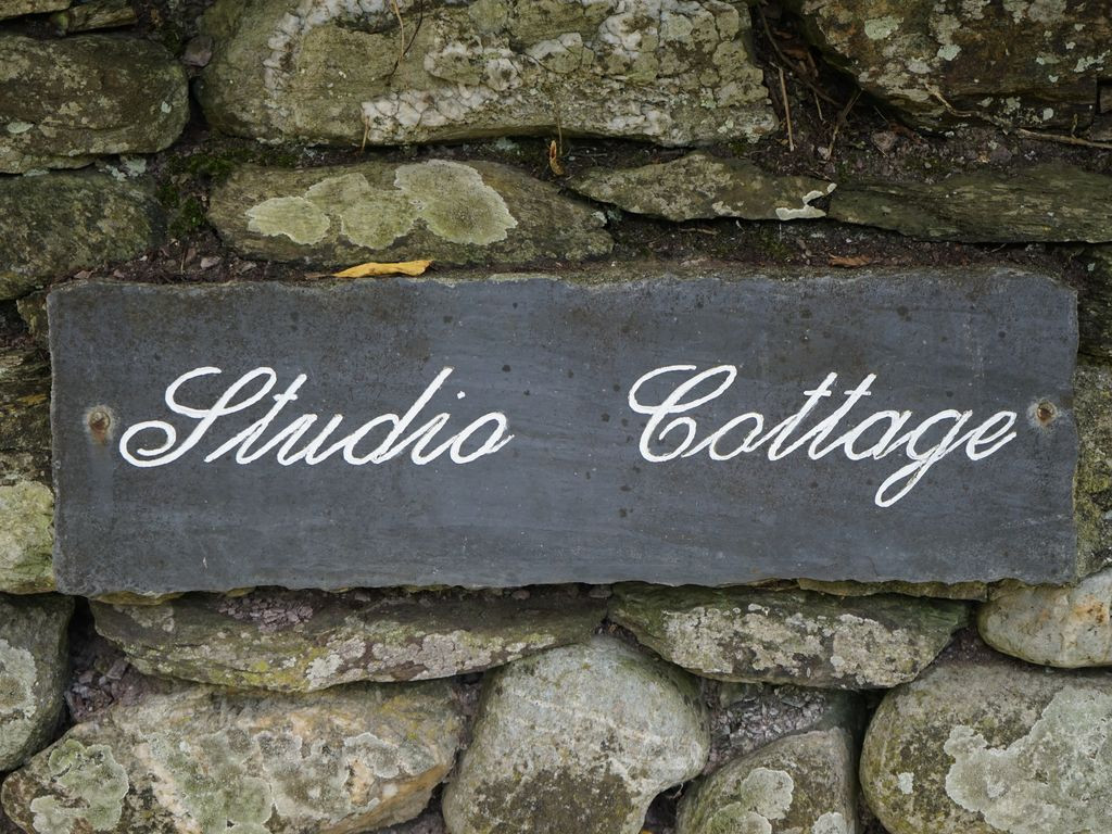 A warm welcome awaits you at Studio Cottage in Talland Bay