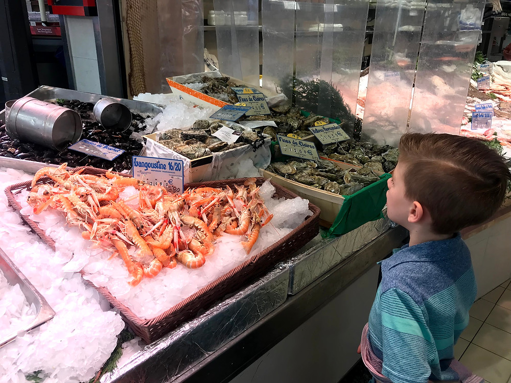 Seafood stand in Paris