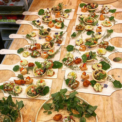 Wedding hors d'oeuvres presentation