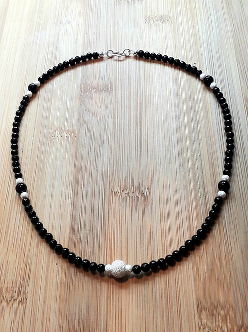 Onyx frosted silver beads necklace
