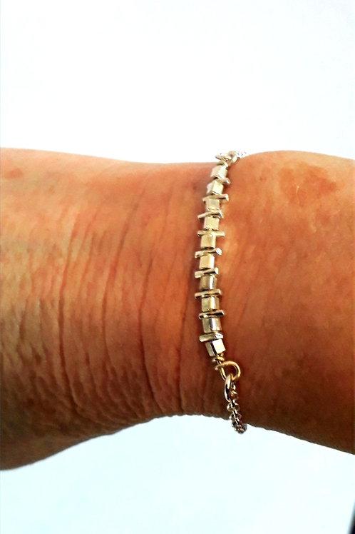 St.silver bracelet with cubes