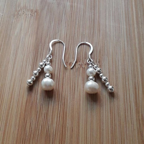 Double freshwater pearl earrings