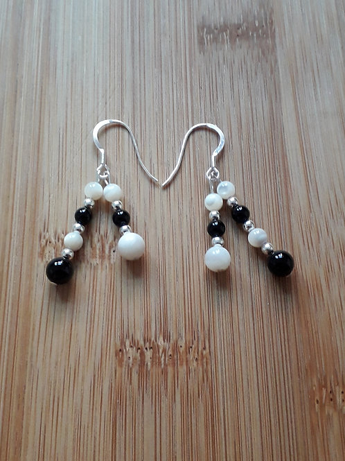 Onyx/mother of pearl double earrings