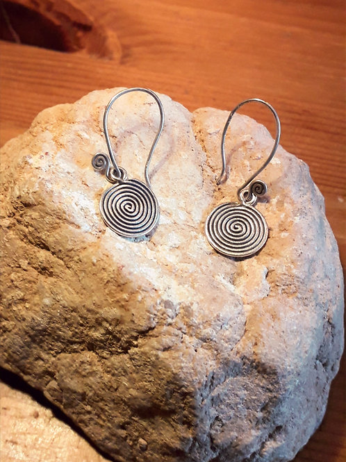 Tribe silver earrings with swirl