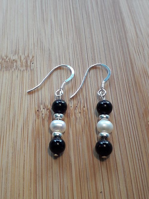 Onyx/freshwater pearl earrings