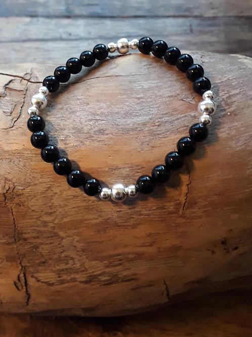 Onyx 6mm/ silver beads bracelet elasticated