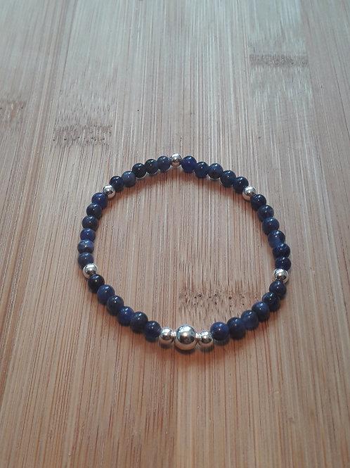 Sodalite/silver bead bracelet elasticated