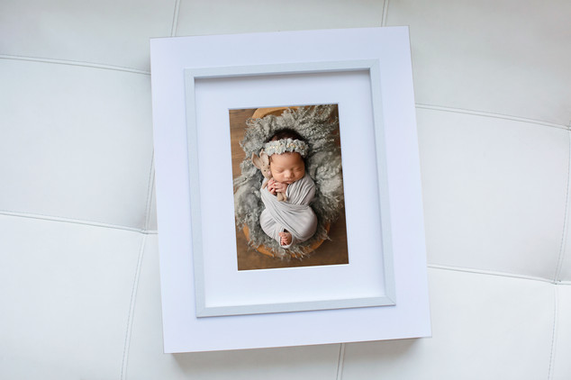 Frame Folio - White - newborn.jpg