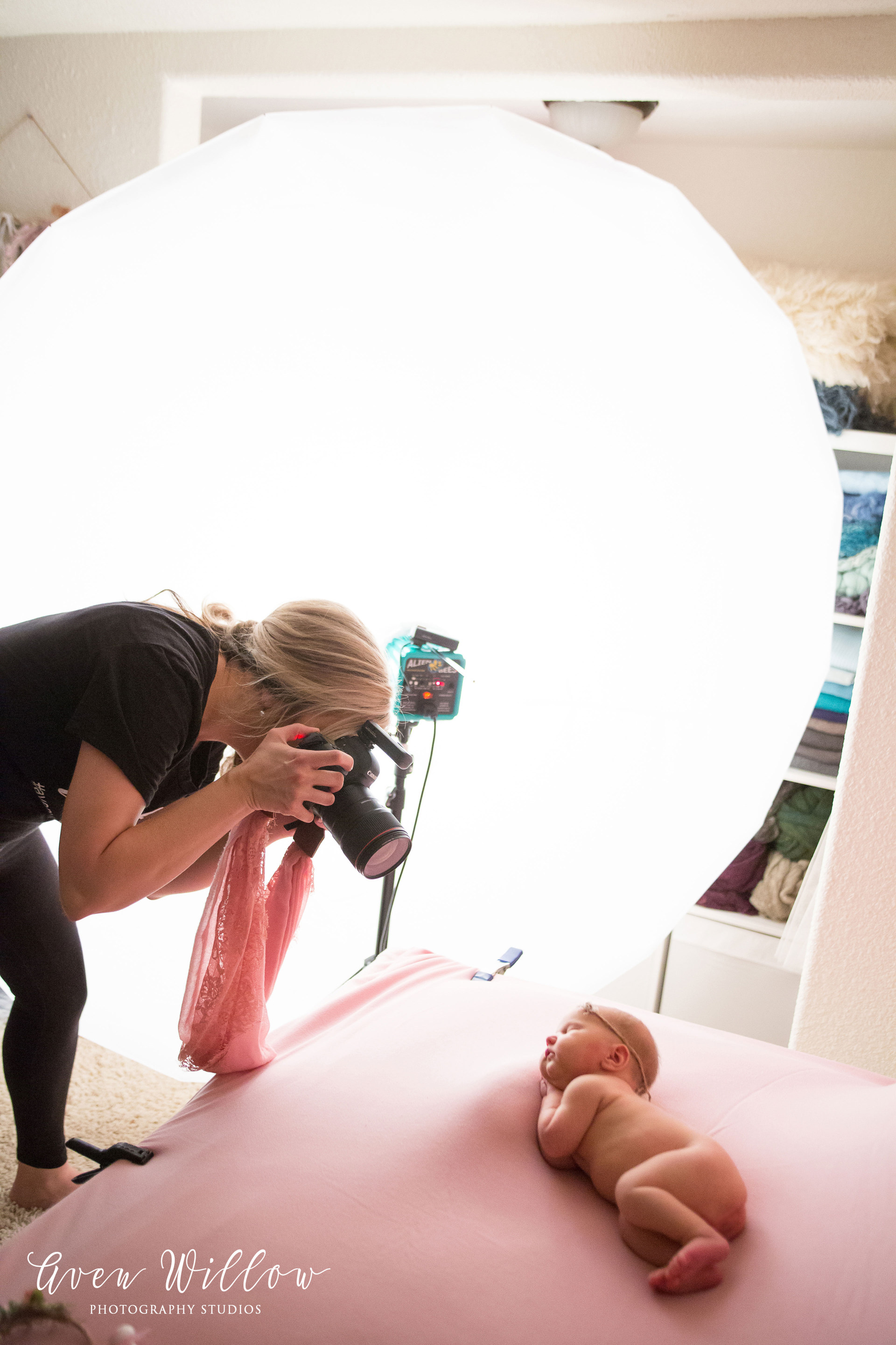 newborn photography studio