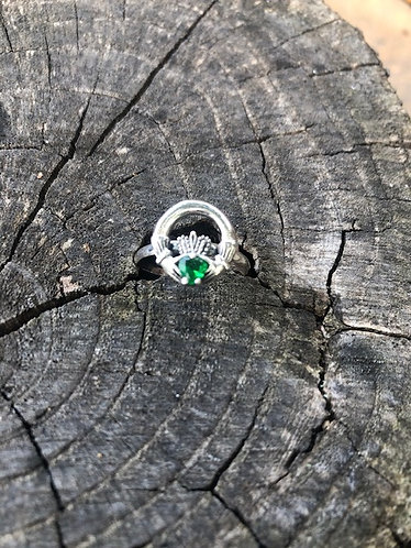 Claddagh Ring with Emerald - Size 8
