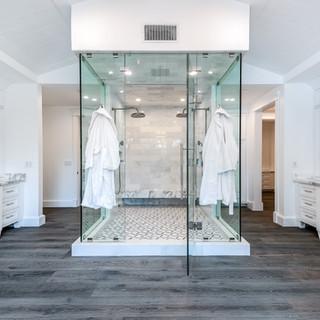 77 Master Bath.jpg
