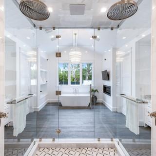 79 Master Bath.jpg