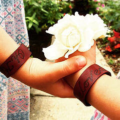 laureli carriage leather bands