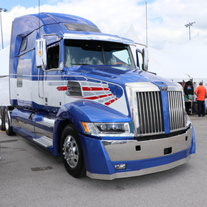 Boy this is a pretty truck! .JPG