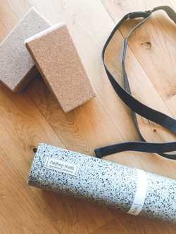 focusflowfood training gear yogamat yoga block strap