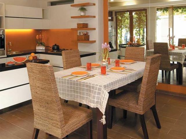 Desain Interior Dapur Konsep Terbuka Yang Menyatu Dengan Ruang Makan Jasa Cutting Potong Cnc Kota Medan