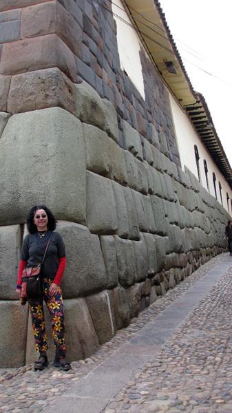 cusco_muro