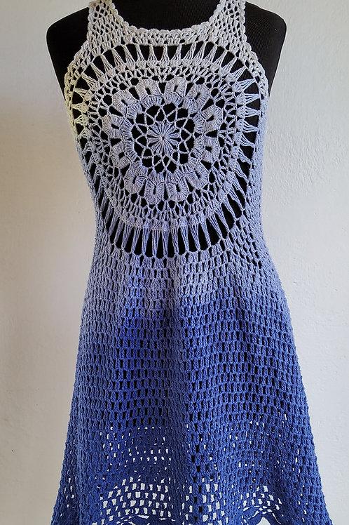 Mini vestido  Crochê  Cru e degrade de Índigo