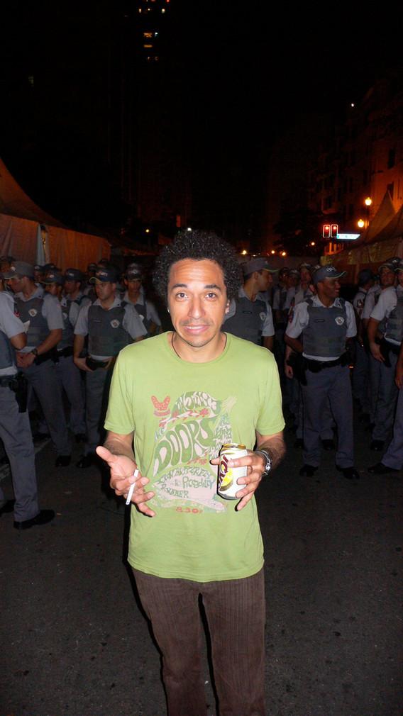 Neil Cops Sao Paulo.jpg