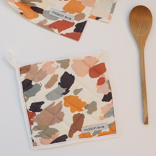 PRINTED ABSTRACT CAMO POT-HOLDER IN 100% COTTON