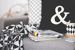 Revistas en el sofá