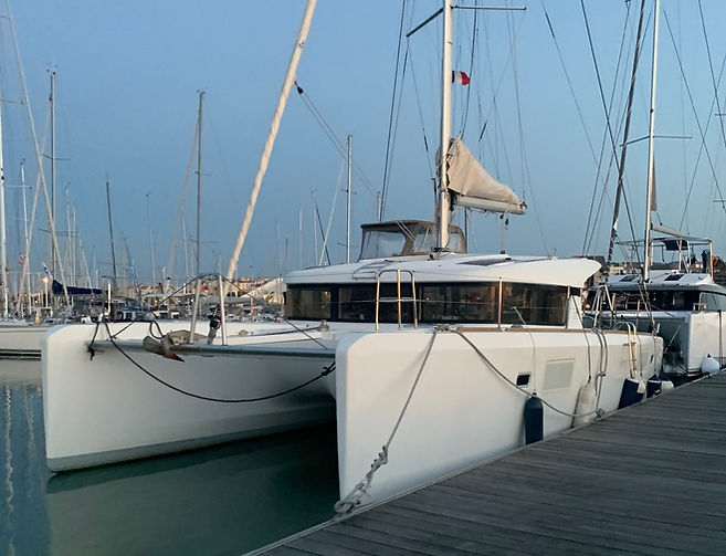 Location catamaran la rochelle LAGOON