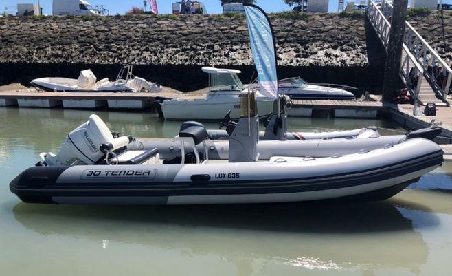3D TENDER 635 LUX location bateau la roc