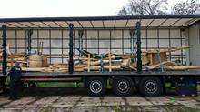 Het transport met onze eerste twee speelprojecten.